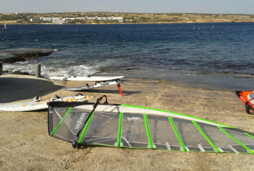 beginner-windsurfing-malta