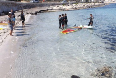surfingmalta windsurfing school, Sup, Stand up paddle surfing, windsurfing lessons courses,  Malta , sup tours, Coral lagoon, Gnejna, Mellieha, Mscala, St Thomas bay,